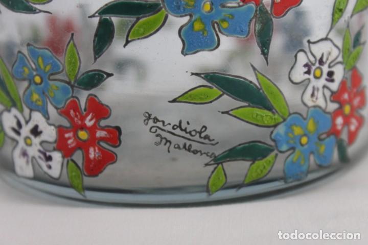 Antigüedades: Cubitera en cristal mallorquín pintado a mano con flores firmado Gordiola. Mediados siglo XX - Foto 4 - 222016388