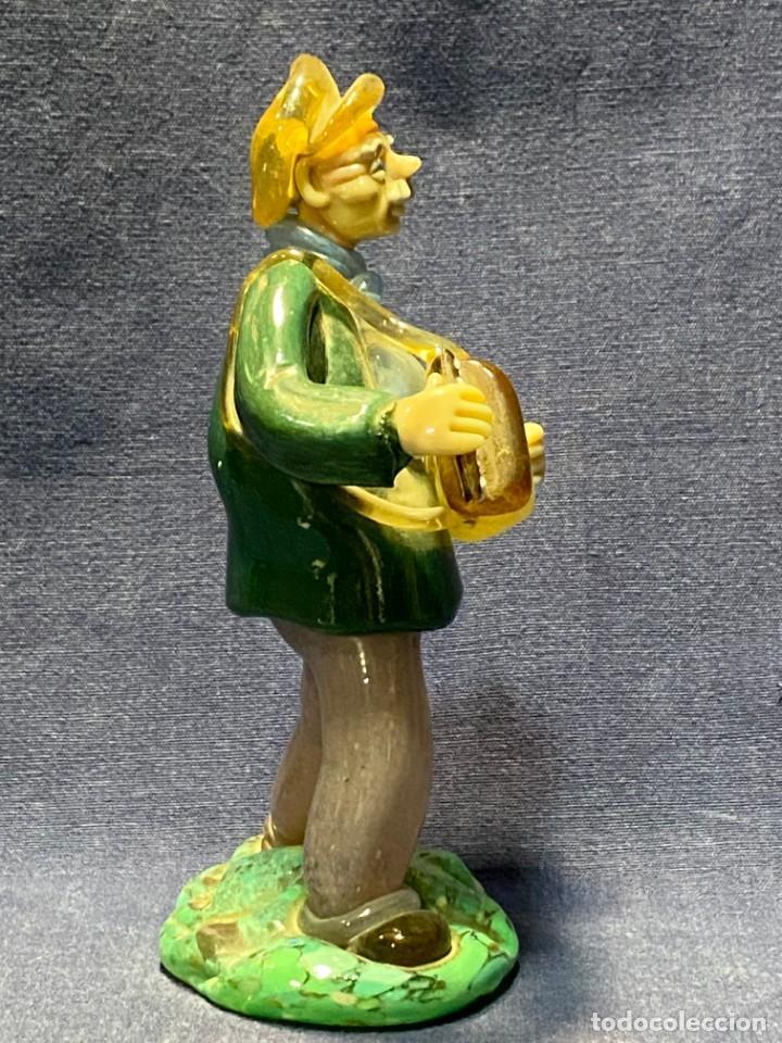 Antigüedades: FIGURA MUSICO ACORDEONISTA ACORDEON VIDRIO CENTROEUROPA CHECOSLOVAQUIA AÑOS 70 80 18X9X8CMS - Foto 8 - 222017495