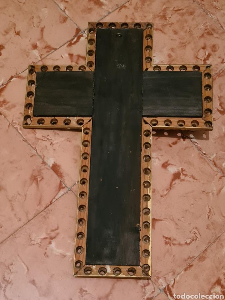 Antigüedades: Precioso y antiguo crucifijo de madera con Cristo metalico de principios del siglo XX - Foto 3 - 222018987