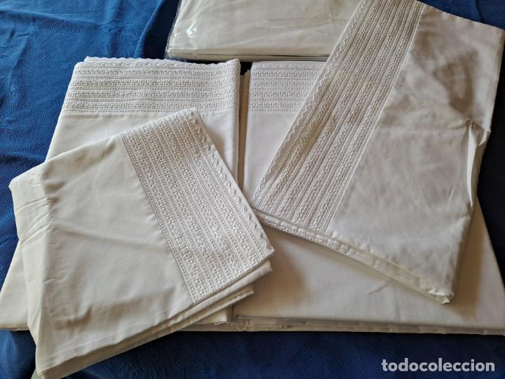 Antigüedades: Precioso Juego Clasico 4 piezas Cama de 180 cm.Embozo puntilla .Algodon BLANCO 265x290 cm.Nuevo - Foto 2 - 222027228