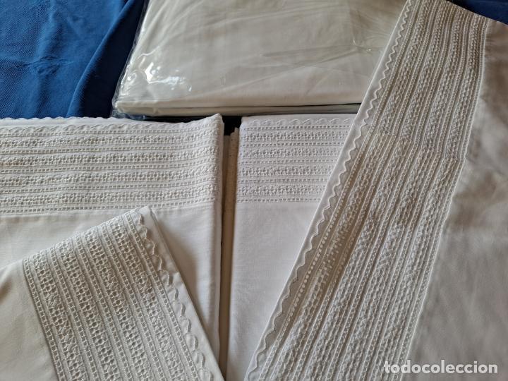 Antigüedades: Precioso Juego Clasico 4 piezas Cama de 180 cm.Embozo puntilla .Algodon BLANCO 265x290 cm.Nuevo - Foto 5 - 222027228