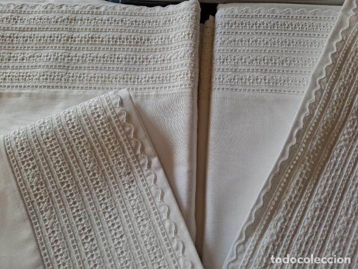 Antigüedades: Precioso Juego Clasico 4 piezas Cama de 180 cm.Embozo puntilla .Algodon BLANCO 265x290 cm.Nuevo - Foto 6 - 222027228