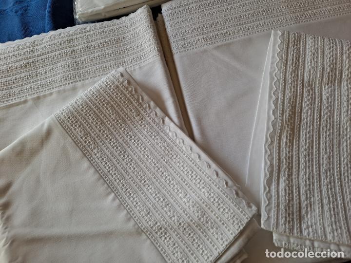 Antigüedades: Precioso Juego Clasico 4 piezas Cama de 180 cm.Embozo puntilla .Algodon BLANCO 265x290 cm.Nuevo - Foto 11 - 222027228
