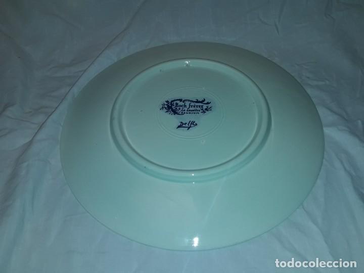 Antigüedades: Magnifico plato porcelana Boch Fréres Delts Holland bellos motivos Taberna color cobalto azul 29cm - Foto 7 - 222035220