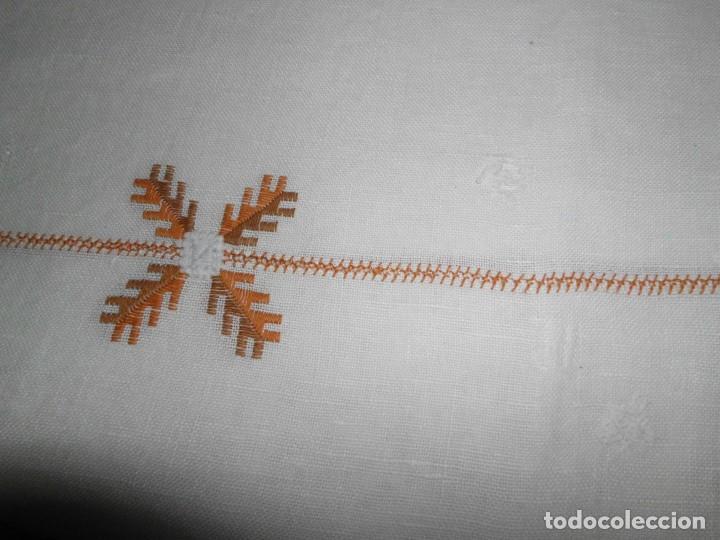 Antigüedades: Mantél de algodón bordado a mano - Foto 6 - 222071677