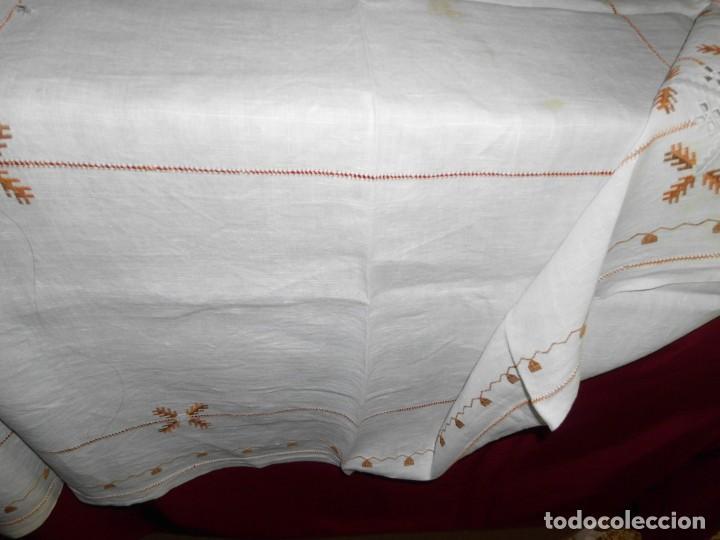Antigüedades: Mantél de algodón bordado a mano - Foto 10 - 222071677