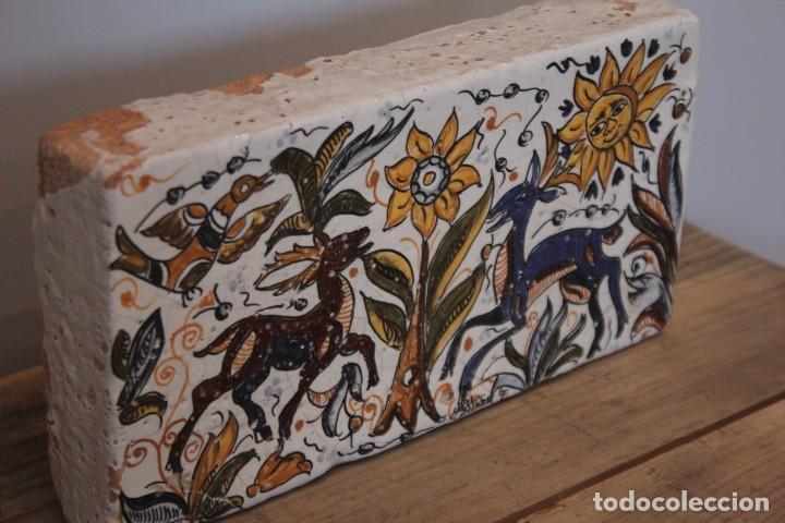 Antigüedades: Importante pieza de barro de Hermanos Escobar, firmada, Puente del Arzobispo. 28x14cm, pieza unica. - Foto 3 - 222117757
