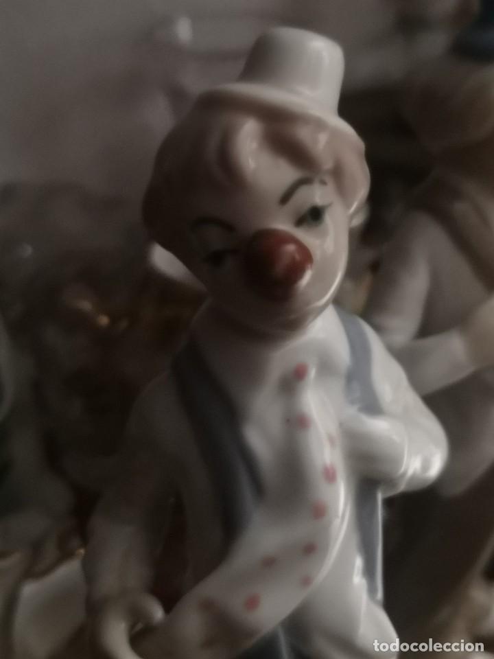 Antigüedades: Pareja Preciosas figura. Payaso de porcelana Casades. 17 centímetros - Foto 2 - 222122583