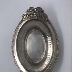 Antigüedades: CENTRO MESA ESTAÑO. Lote 222183127