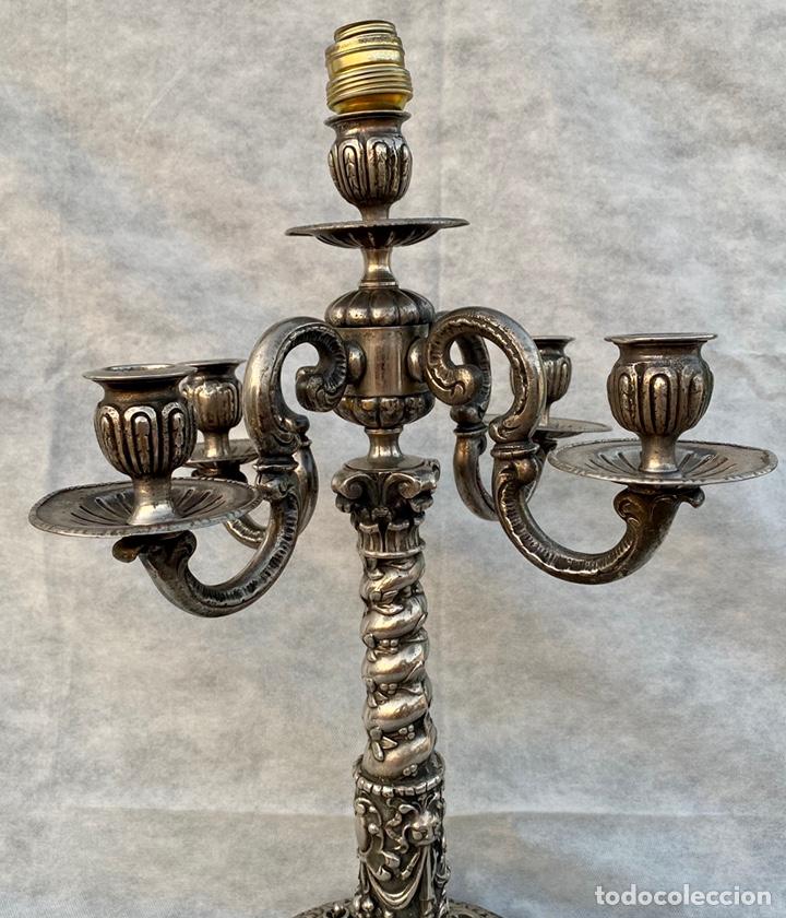 Antigüedades: Lámpara candelabro de broce plateado antigua - Foto 4 - 222185197