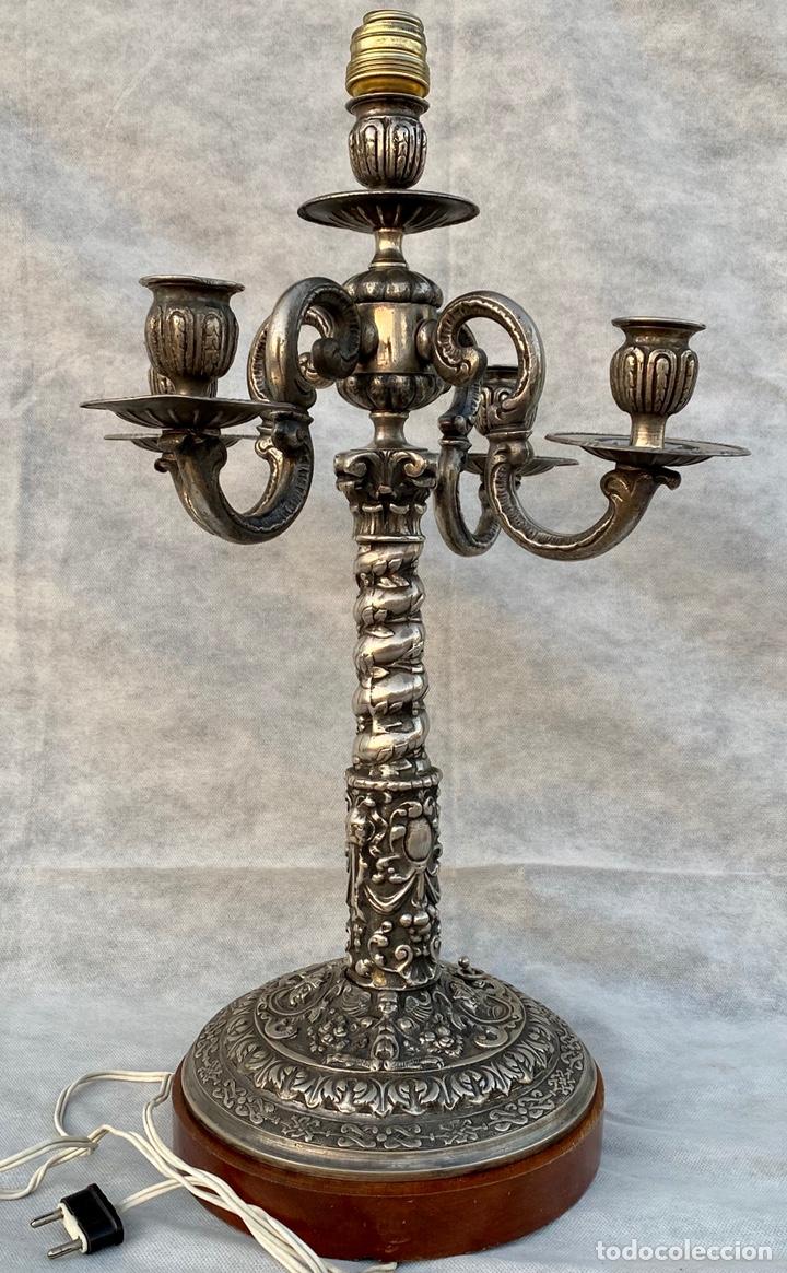 LÁMPARA CANDELABRO DE BROCE PLATEADO ANTIGUA (Antigüedades - Iluminación - Candelabros Antiguos)
