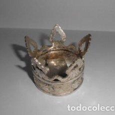Antigüedades: CORONA DE BRONCE BAÑADA EN PLATA. Lote 221714771