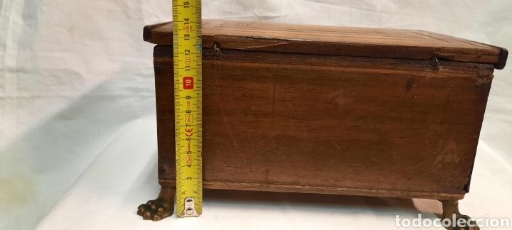 Antigüedades: Caja carlos IV siglo XIX con marqueteria - Foto 3 - 222215080