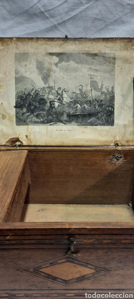 Antigüedades: Caja carlos IV siglo XIX con marqueteria - Foto 7 - 222215080