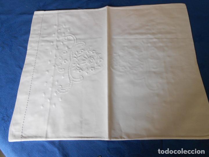 Antigüedades: Preciosioso Juego Clasico 2 piezas para cochecito bebe.Algodon BLANCO.Bordado BLANCO 80x130 cm.Nuevo - Foto 7 - 222226492