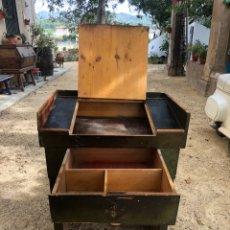 Antigüedades: ANTIGUO MOSTRADOR DE PIE DE CAJA / COBRO. Lote 222227573