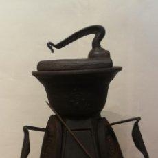 Antigüedades: CALENTADOR DE PLANCHAS. Lote 222228667