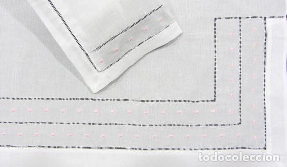 Antigüedades: Juego Clasico 2 piezas para CUNA bebe.Algodon.Blanco, bordado Rosa110X 160 cm.Nuevo - Foto 2 - 222243667
