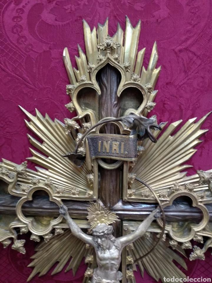 Antigüedades: Gran crucifijo de metal y bronce - Foto 3 - 222263698