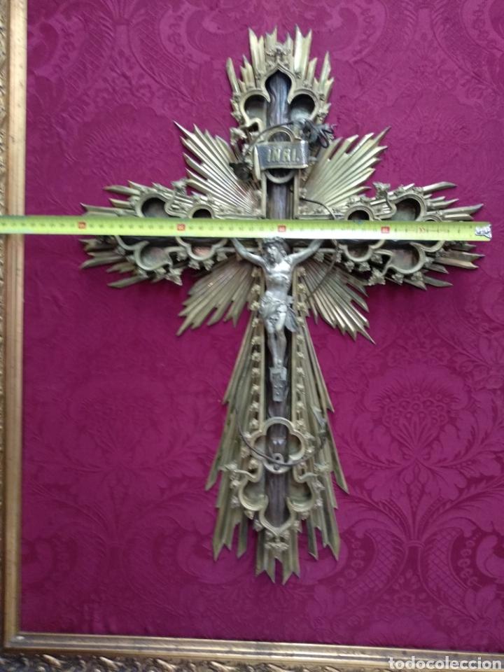 Antigüedades: Gran crucifijo de metal y bronce - Foto 6 - 222263698