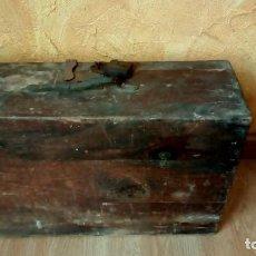 Antigüedades: MALETA DE MADERA ANTIGUA XIX. Lote 222265448