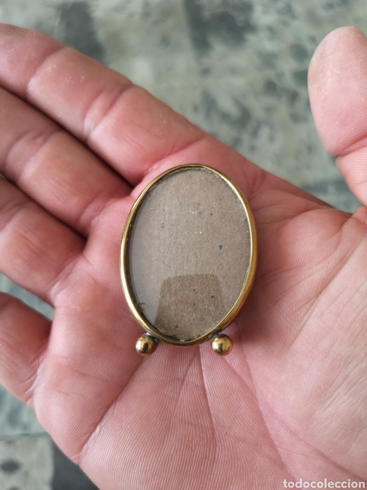 Antigüedades: Precioso y antiguo portaretrato en metal - Foto 6 - 222276322