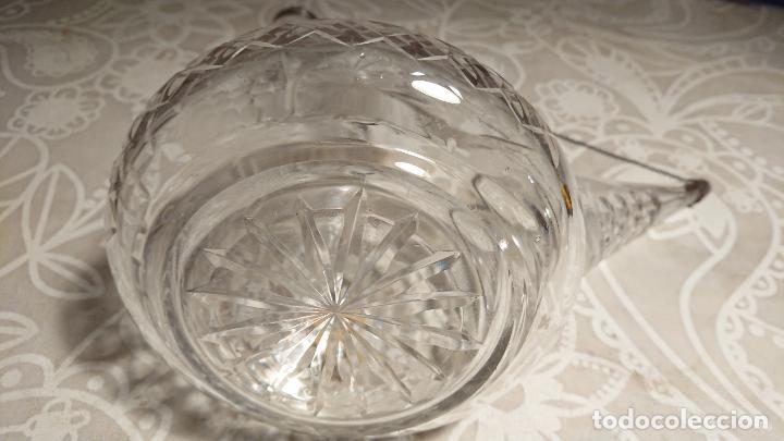 Antigüedades: Antiguo porrón de cristal soplado a mano y tallado con tapónes de plata de los años 50-60 - Foto 8 - 222289102