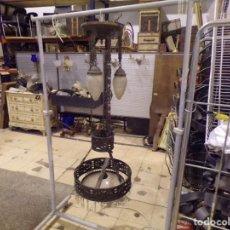 Antigüedades: GRAN LAMPARA TIPO VOTIVA METAL TIPO BRONCE DE IGLESIA 132 CM DE ALTURA TULIPAS CRISTAL TALLADO. Lote 222307170