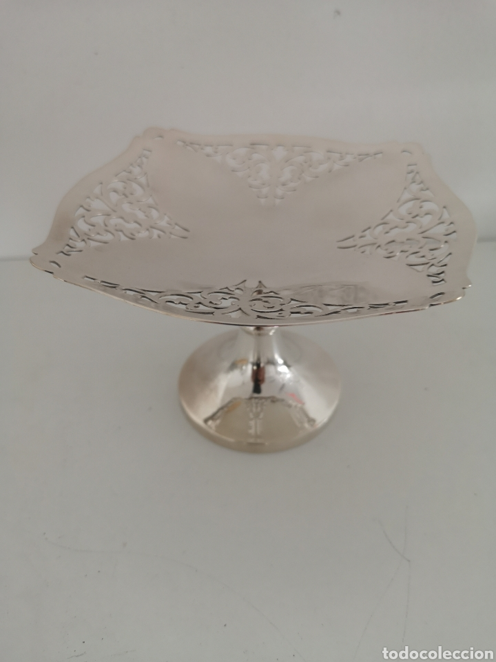 Antigüedades: Precioso centro de mesa o bombonera con marcas - Foto 2 - 222346116