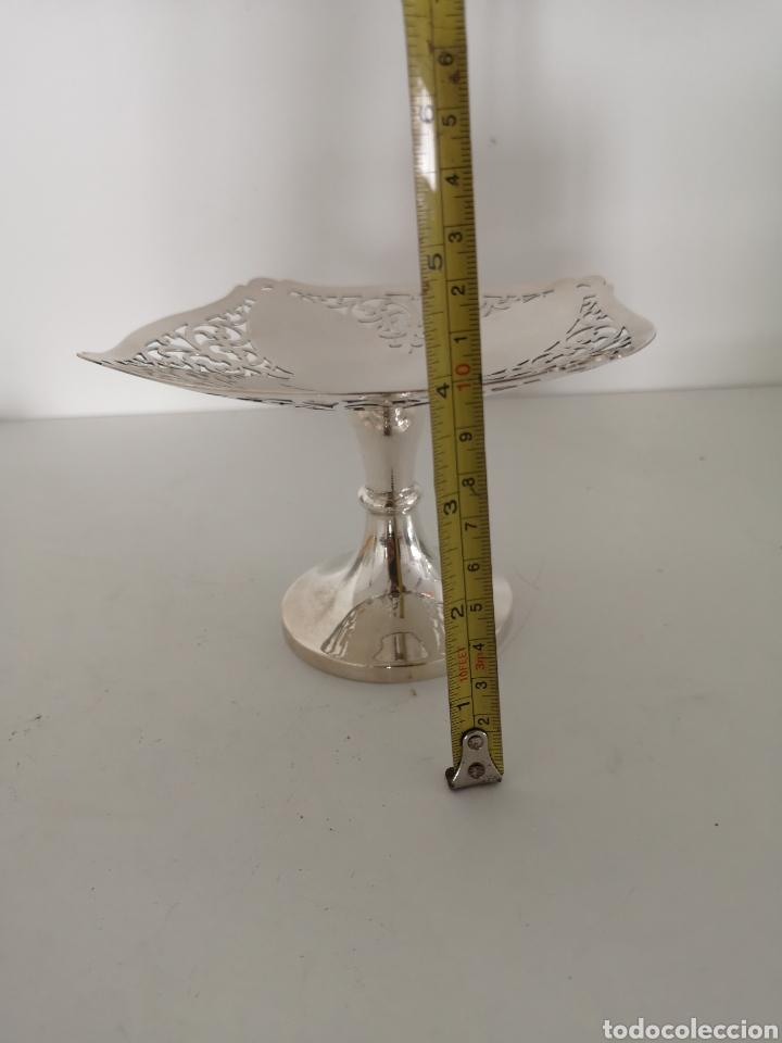 Antigüedades: Precioso centro de mesa o bombonera con marcas - Foto 9 - 222346116