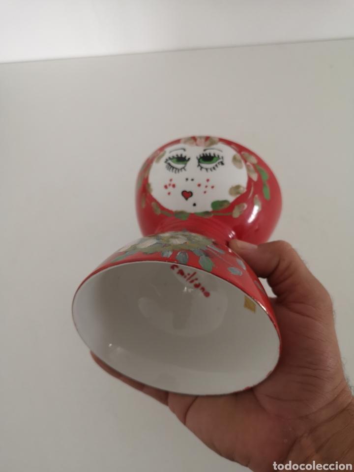 Antigüedades: Curioso y antiguo diabolo de porcelana decorado a mano y firmado - Foto 2 - 222351888