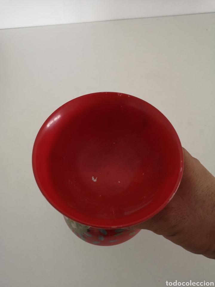 Antigüedades: Curioso y antiguo diabolo de porcelana decorado a mano y firmado - Foto 3 - 222351888