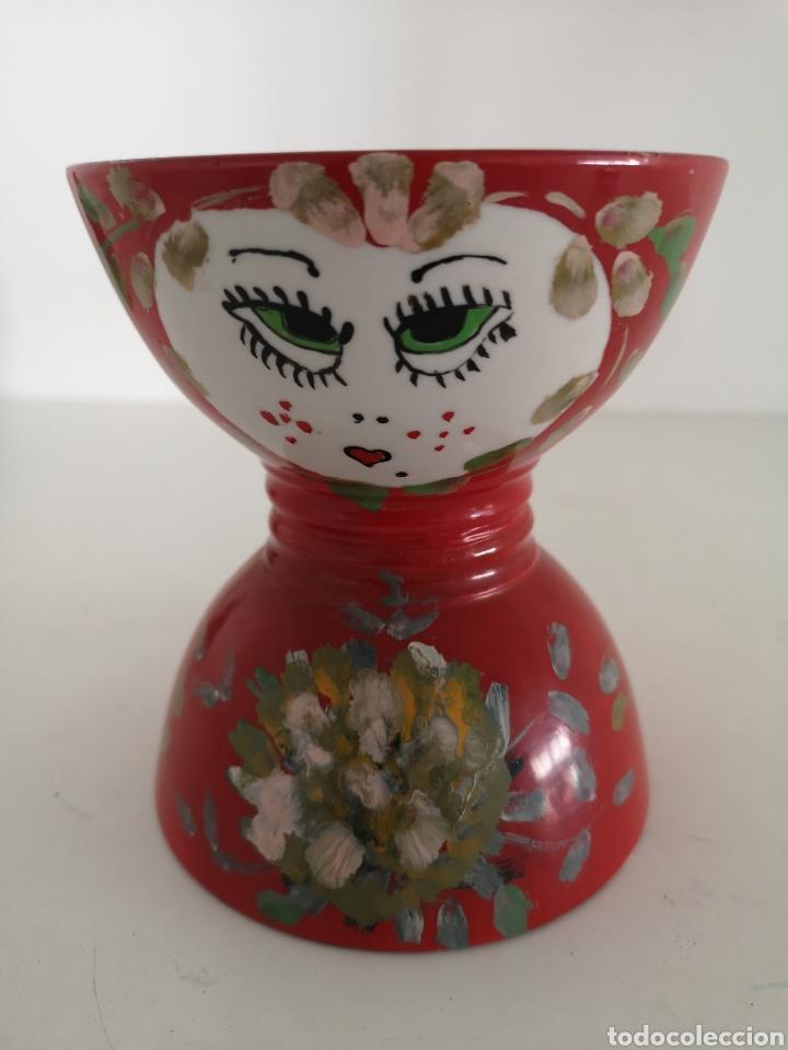 Antigüedades: Curioso y antiguo diabolo de porcelana decorado a mano y firmado - Foto 4 - 222351888