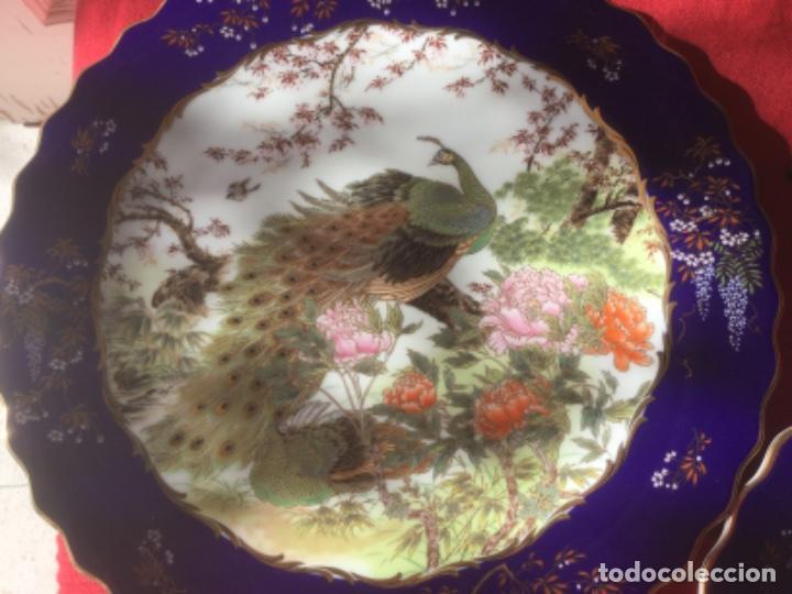 Antigüedades: 2 Platos Porcelana Japonesa Shibata Chinaware. Pintados a Mano. Sello y Firma. Japón 1949 - Foto 2 - 222355678