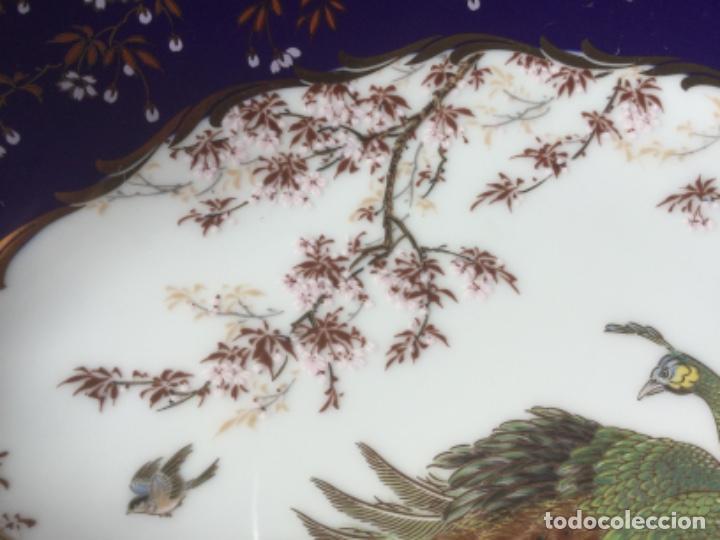 Antigüedades: 2 Platos Porcelana Japonesa Shibata Chinaware. Pintados a Mano. Sello y Firma. Japón 1949 - Foto 4 - 222355678