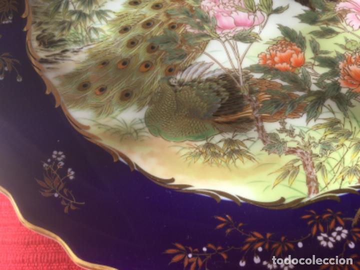Antigüedades: 2 Platos Porcelana Japonesa Shibata Chinaware. Pintados a Mano. Sello y Firma. Japón 1949 - Foto 5 - 222355678