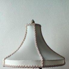 Antigüedades: LAMPARA CON CACATÚA DE CRISTAL. Lote 222382396