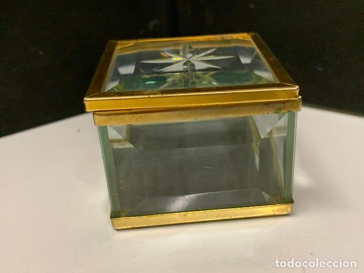 Antigüedades: Preciosa cajita de cristal biselado, ideal para joyas, reliquias, rosarios... - Foto 4 - 222388348