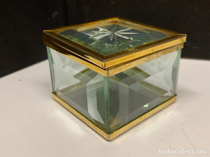 Antigüedades: Preciosa cajita de cristal biselado, ideal para joyas, reliquias, rosarios... - Foto 5 - 222388348