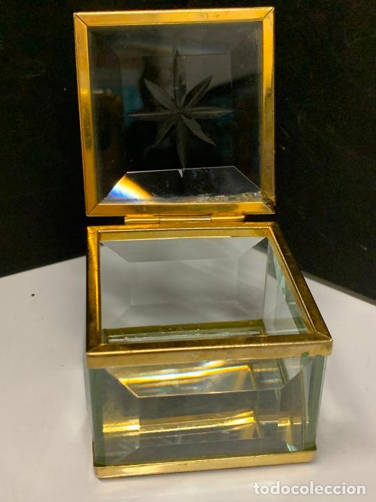 Antigüedades: Preciosa cajita de cristal biselado, ideal para joyas, reliquias, rosarios... - Foto 7 - 222388348