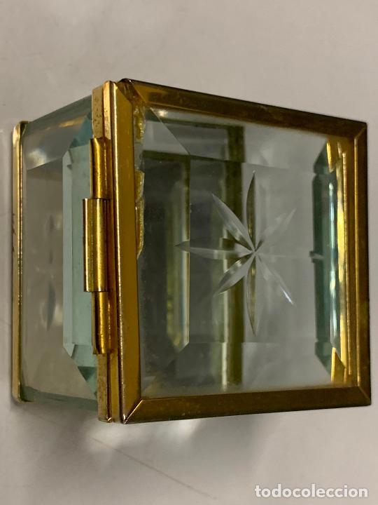 Antigüedades: Preciosa cajita de cristal biselado, ideal para joyas, reliquias, rosarios... - Foto 9 - 222388348
