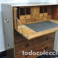 Antigüedades: COMODA ESCRITORIO DE BARCO. MADERA DE ALCANFOR S. XIX.. Lote 222388640