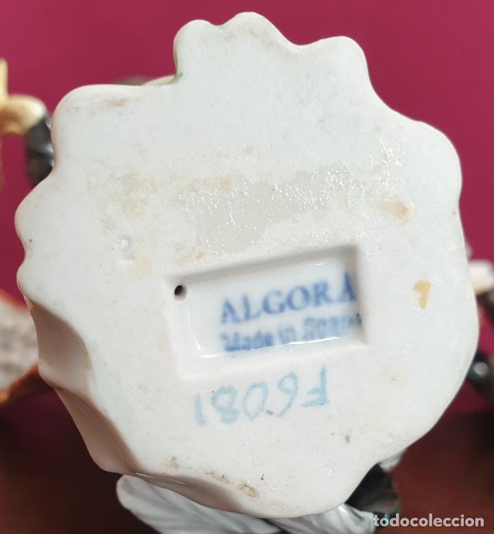 Antigüedades: BONITA RIÑA DE GALLOS EN PORCELANA DE ALGORA - Foto 9 - 222415733