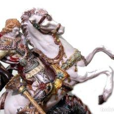 Antigüedades: ESCULTURA DE TERRACOTA DE SAN JORGE MATANDO AL DRAGÓN. PROF. E. PATTARINO. Lote 222425116