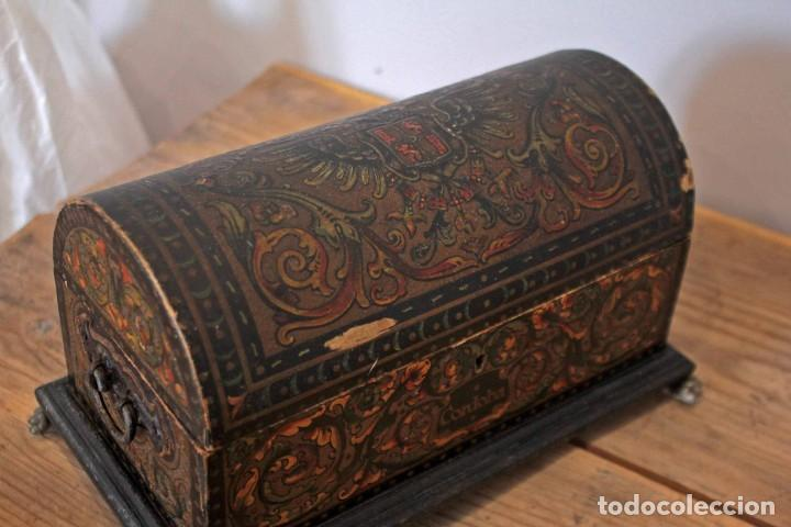 Antigüedades: Hijos de Luca de Tena, preciosa caja / cofre antigua. Cordóba, Águila bicéfala. Lujo - Foto 7 - 222443312
