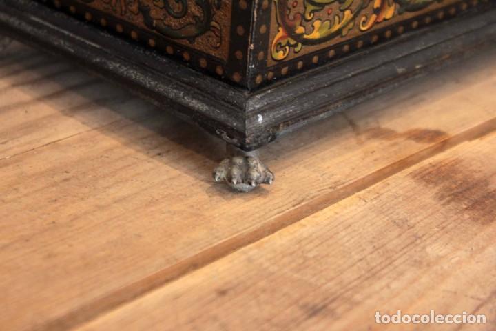 Antigüedades: Hijos de Luca de Tena, preciosa caja / cofre antigua. Cordóba, Águila bicéfala. Lujo - Foto 10 - 222443312