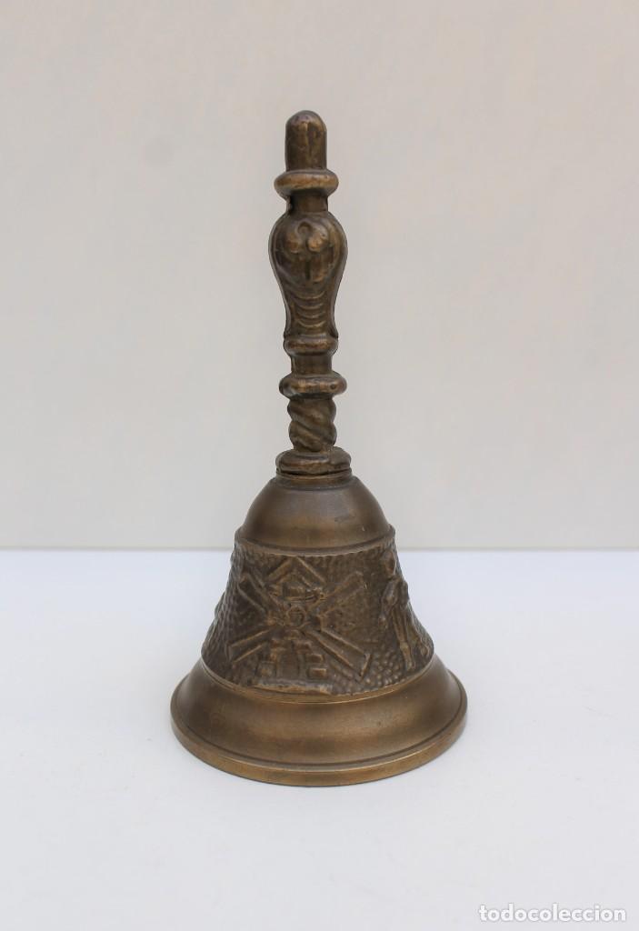 CAMPANILLA LLAMADOR DE BRONCE. - DON QUIJOTE Y SANCHO PANZA - (Antigüedades - Hogar y Decoración - Campanas Antiguas)