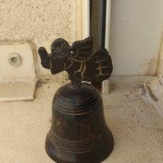 Antigüedades: CAMPANA DE FORJA CON ÁNGEL. Lote 222504512