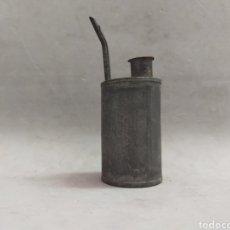 Antigüedades: ACEITERA PEQUEÑA EN METAL. Lote 222508340