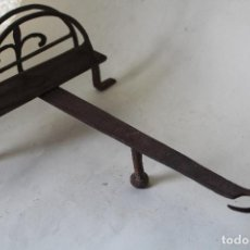 Antigüedades: TRIPODE CHIMENEA. Lote 222515420